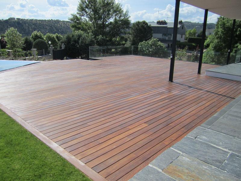 Tarima jardin tarima de exterior matura for Tarimas de madera para jardin